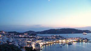 Ποιοι διάσημοι επέλεξαν φέτος την Ελλάδα για τις διακοπές τους