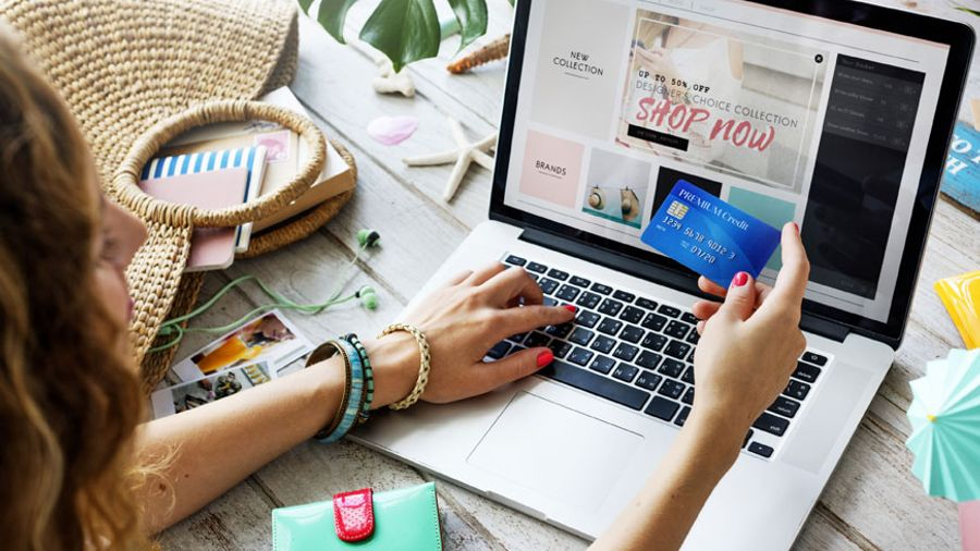Λιανεμπόριο: Μέχρι 5.000 ευρώ επιδότηση για τη δημιουργία e-shop
