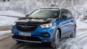 Τα ηλεκτροκίνητα αυτοκίνητα της Opel είναι ισχυρά και σε ορεινές διαδρομές