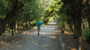 Απαγόρευση κυκλοφορίας σε Υμηττό, κλείνει το Πεδίο του Άρεως, σκέψεις για Πεντέλη, Πάρνηθα