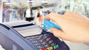 Εφορία: Πέναλτι σε όσους δεν πιάνουν το όριο δαπανών με κάρτα