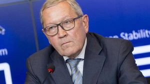 Ρέγκλινγκ: Η Ελλάδα συνέχισε τη μεταρρυθμιστική διαδικασία κάτω από δύσκολες συνθήκες