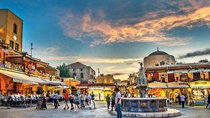 Συνεχίστηκαν οι αφίξεις τουριστών στο Νότιο Αιγαίο και τον Σεπτέμβριο