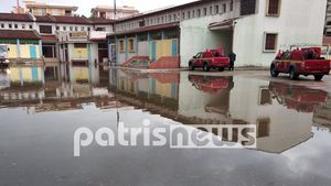 """""""Σαρώνει"""" η κακοκαιρία την Ηλεία: Πλημμύρες και διακοπές ρεύματος (βίντεο)"""