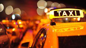 ΥΠΟΙΚ: Και τα ταξί στον μειωμένο ΦΠΑ 13% στις μεταφορές