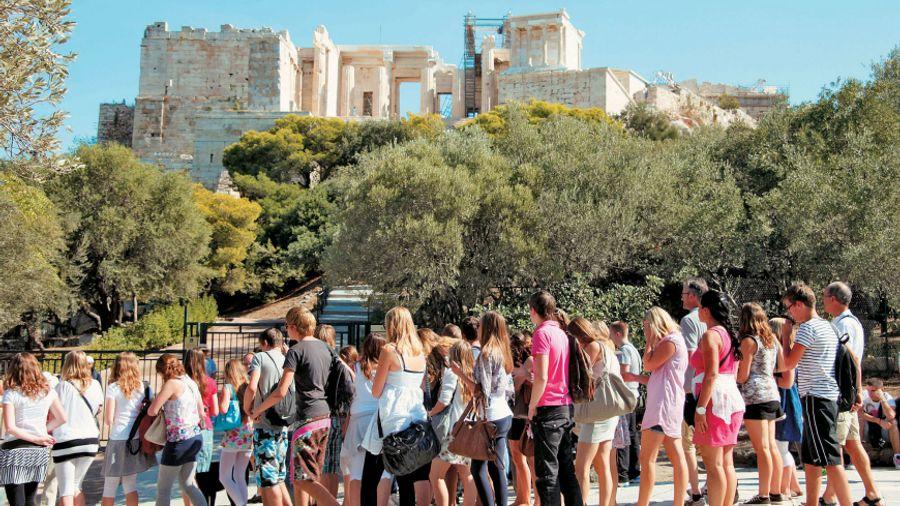 ΤτΕ: Στα 16 δισ. ευρώ οι ταξιδιωτικές εισπράξεις στο 9μηνο