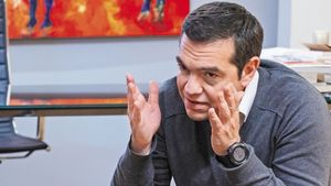 Τσίπρας: Επίκαιρη ερώτηση στον πρωθυπουργό για το ταξίδι στην Ικαρία