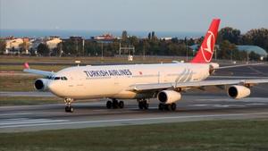 Turkish Airlines: Σε άδεια άνευ αποδοχών οι ξένοι πιλότοι