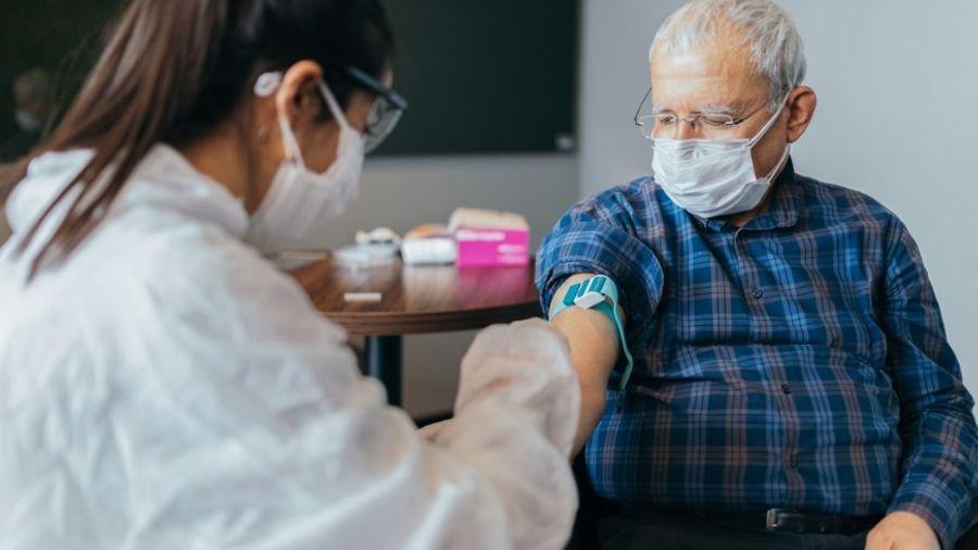 AstraZeneca - Εμβόλια: Πιθανώς να μην χορηγούνται σε ηλικιωμένους