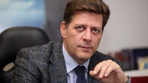 Με τον Ευρωπαίο Επίτροπο για την Γειτονία και την Διεύρυνση συναντήθηκε ο Βαρβιτσιώτης