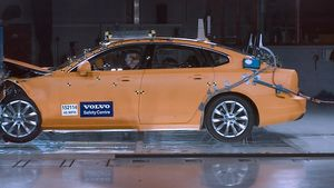 Volvo Cars Safety Centre: Εδώ και δύο δεκαετίες σώζει ζωές και γιορτάζει τα 20 χρόνια του
